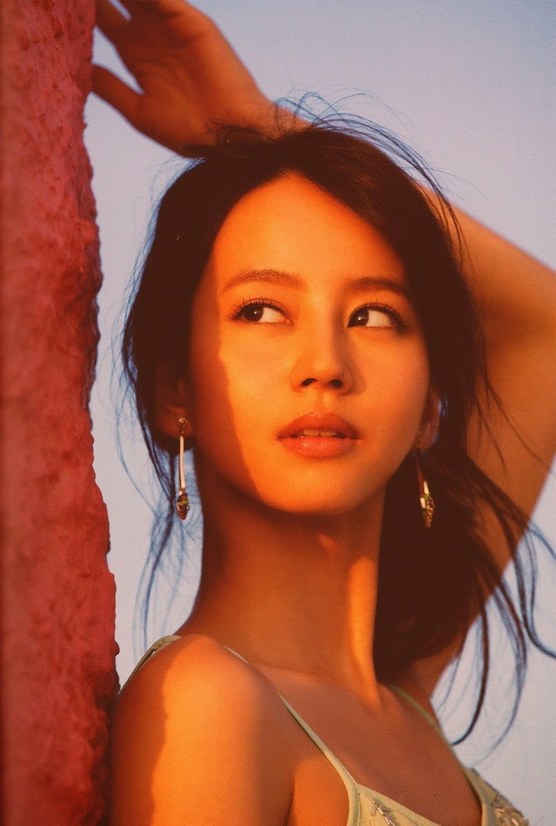 【堀北真希お宝画像】中2でスカウトされた美少女タレントの懐かしいグラビア写真 49
