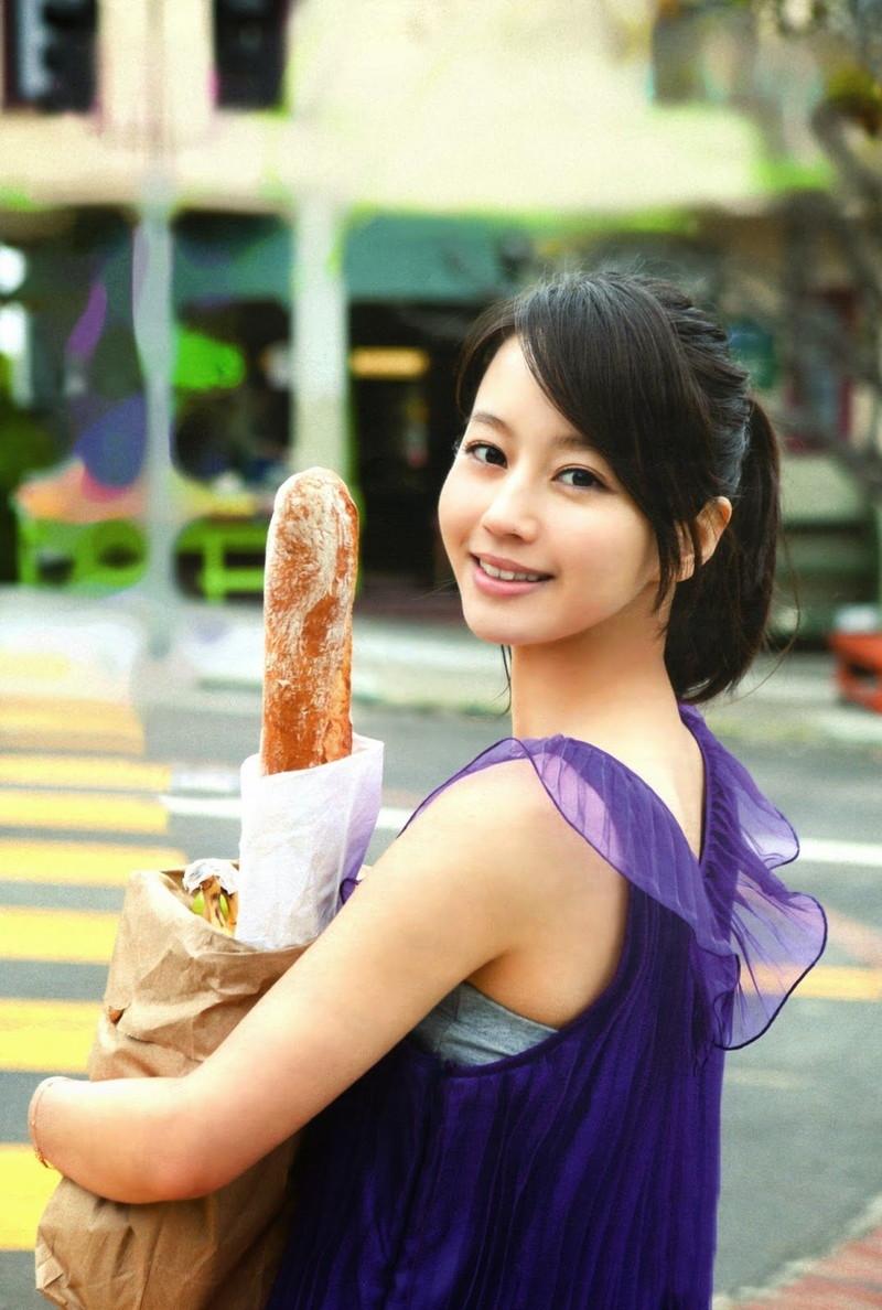 【堀北真希お宝画像】中2でスカウトされた美少女タレントの懐かしいグラビア写真 54