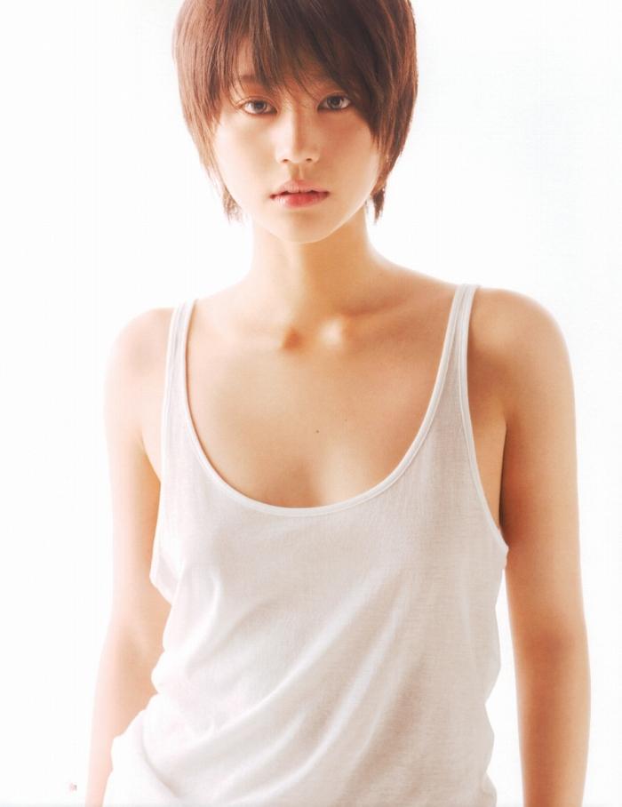 【堀北真希お宝画像】中2でスカウトされた美少女タレントの懐かしいグラビア写真 74