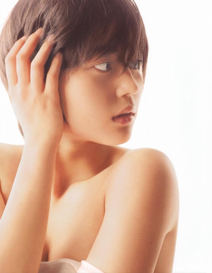 【堀北真希お宝画像】中2でスカウトされた美少女タレントの懐かしいグラビア写真 78
