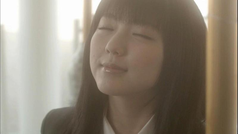 【真野恵里菜キャプ画像】元ハロプロアイドルのキス顔やパンチラアクションが萌えるw 03