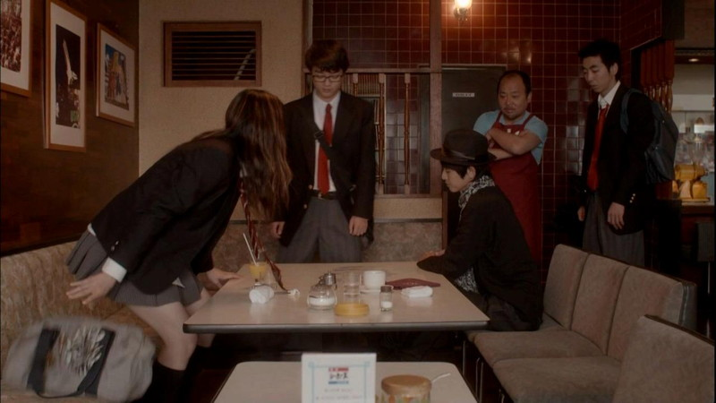 【真野恵里菜キャプ画像】元ハロプロアイドルのキス顔やパンチラアクションが萌えるw 05