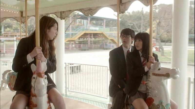 【真野恵里菜キャプ画像】元ハロプロアイドルのキス顔やパンチラアクションが萌えるw 18