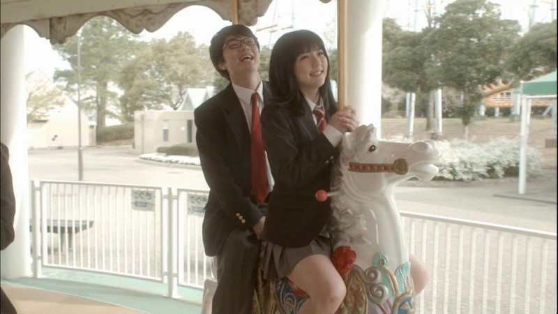 【真野恵里菜キャプ画像】元ハロプロアイドルのキス顔やパンチラアクションが萌えるw 28