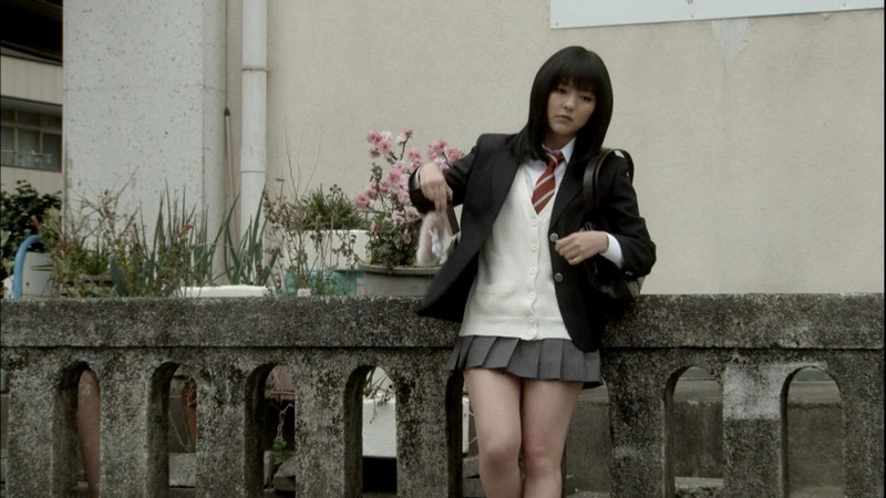 【真野恵里菜キャプ画像】元ハロプロアイドルのキス顔やパンチラアクションが萌えるw 39