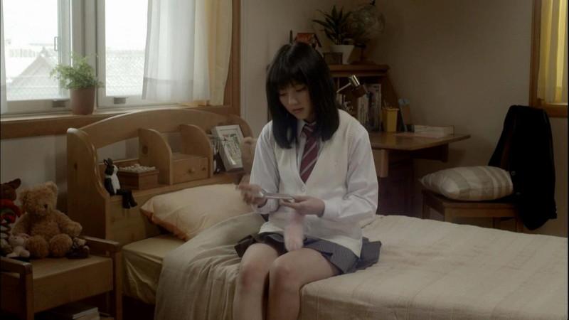 【真野恵里菜キャプ画像】元ハロプロアイドルのキス顔やパンチラアクションが萌えるw 44