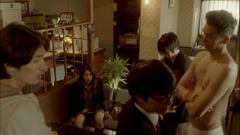 【真野恵里菜キャプ画像】元ハロプロアイドルのキス顔やパンチラアクションが萌えるw 68