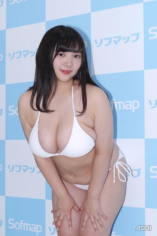 【伊川愛梨エロ画像】バストJカップのぽっちゃりグラビアアイドルがマジ太いwwww 31