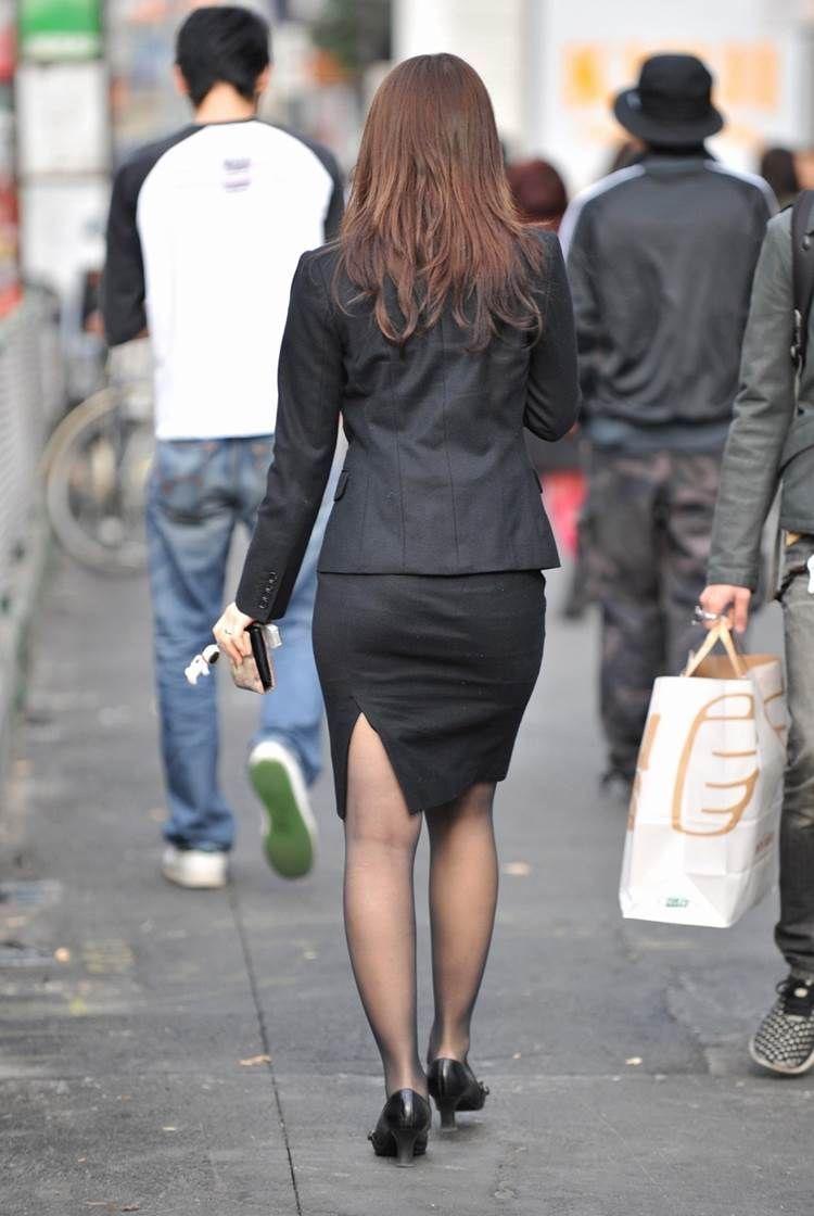 【OLパンストエロ動画】街を歩く制服OLのパンスト美脚を隠し撮り! 03