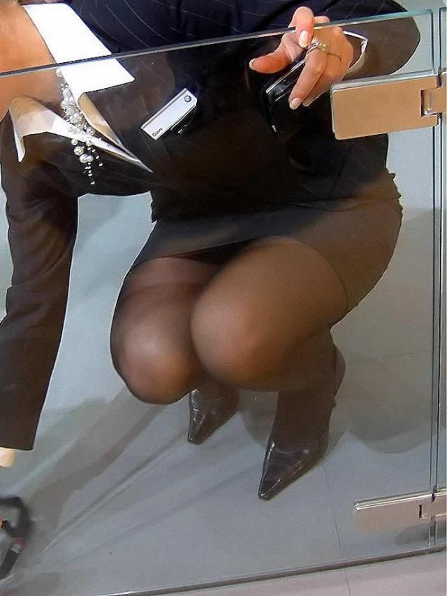 【OLパンストエロ動画】街を歩く制服OLのパンスト美脚を隠し撮り! 25