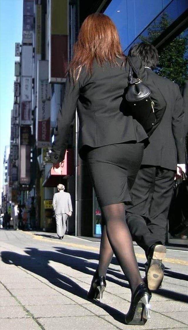 【OLパンストエロ動画】街を歩く制服OLのパンスト美脚を隠し撮り! 30