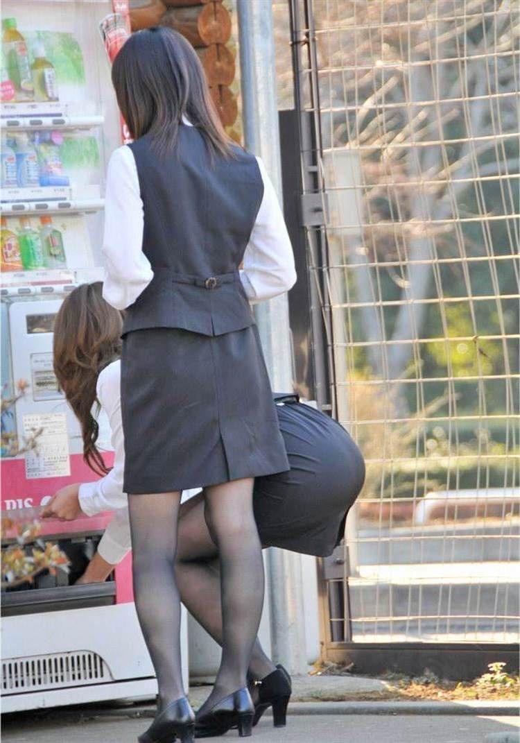 【OLパンストエロ動画】街を歩く制服OLのパンスト美脚を隠し撮り! 42