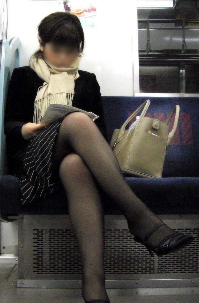 【OLパンストエロ動画】街を歩く制服OLのパンスト美脚を隠し撮り! 47