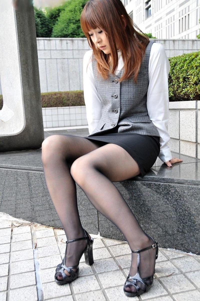 【OLパンストエロ動画】街を歩く制服OLのパンスト美脚を隠し撮り! 71