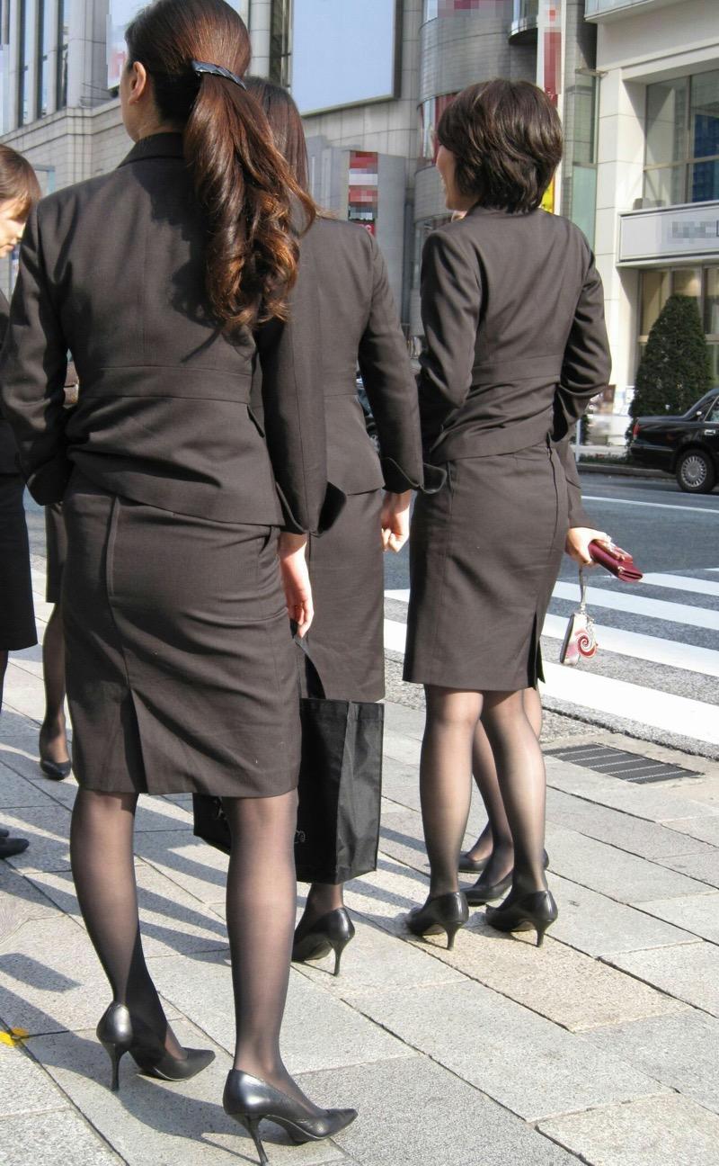 【OLパンストエロ動画】街を歩く制服OLのパンスト美脚を隠し撮り! 78