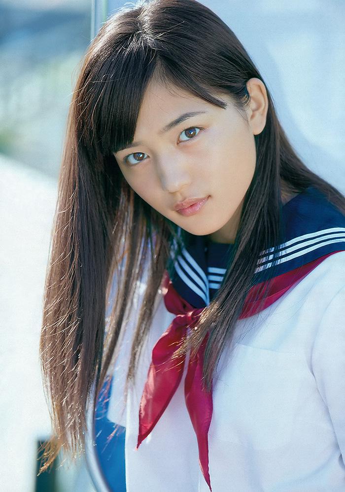 【川口春奈グラビア画像】今では水着姿を見せなくなった女優の貴重なビキニ姿 11