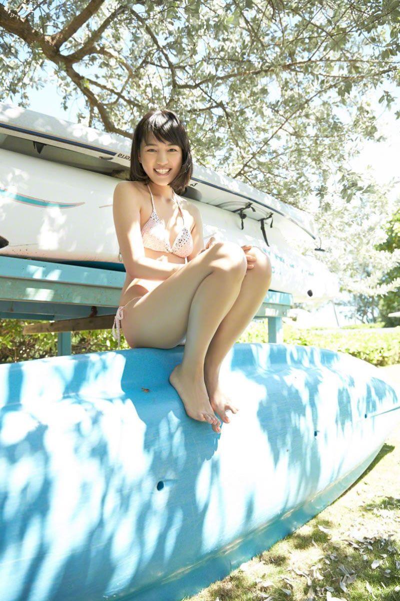 【川口春奈グラビア画像】今では水着姿を見せなくなった女優の貴重なビキニ姿 22