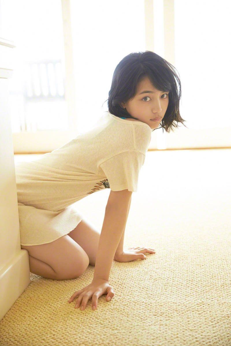 【川口春奈グラビア画像】今では水着姿を見せなくなった女優の貴重なビキニ姿 43