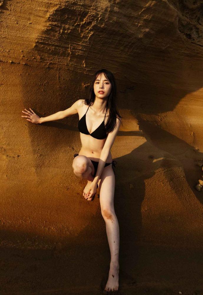【井桁弘恵グラビア画像】仮面ライダーゼロワンでメインキャストに抜擢された美人女優 25