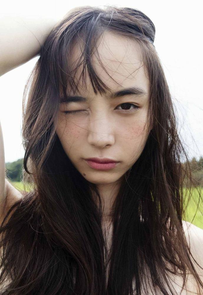 【井桁弘恵グラビア画像】仮面ライダーゼロワンでメインキャストに抜擢された美人女優 26
