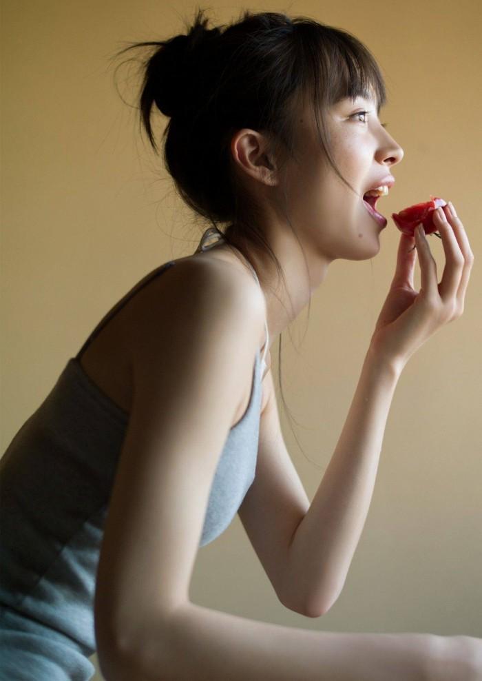 【井桁弘恵グラビア画像】仮面ライダーゼロワンでメインキャストに抜擢された美人女優 54