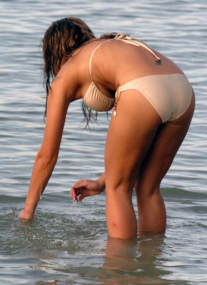 【水着盗撮画像】コロナ自粛でビキニ水着ギャルが見られないならせめてネットで見るかw 41