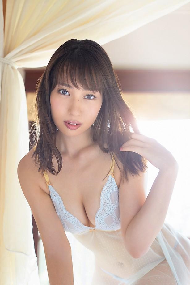 【増田有華エロ画像】視線と谷間がめちゃくちゃセクシーな元AKB48アイドル 05