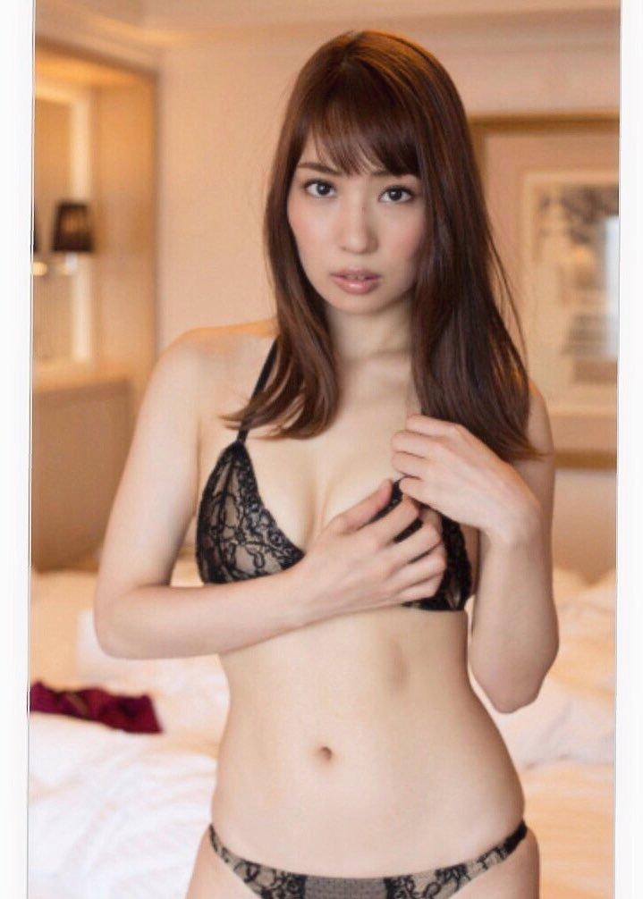 【増田有華エロ画像】視線と谷間がめちゃくちゃセクシーな元AKB48アイドル 19
