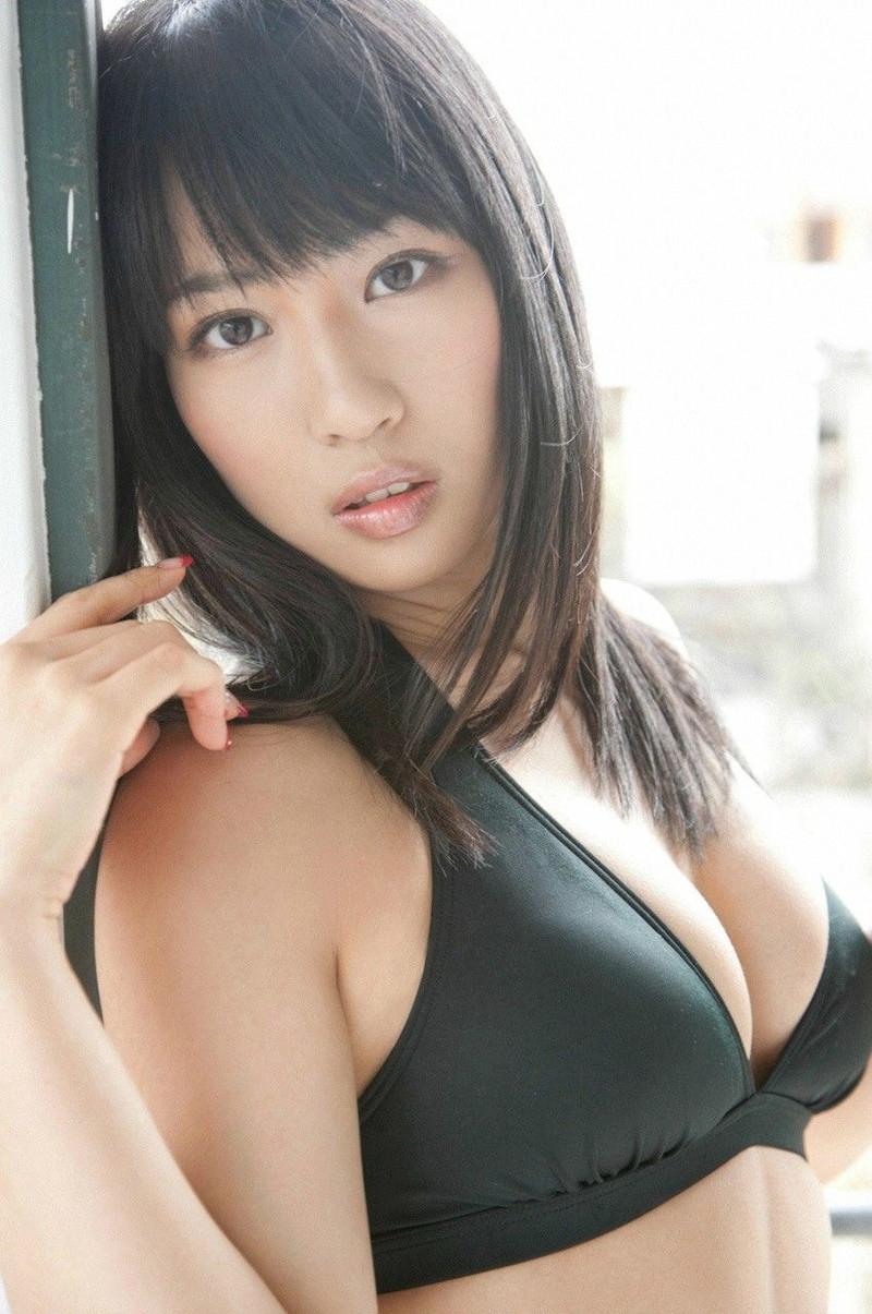 【増田有華エロ画像】視線と谷間がめちゃくちゃセクシーな元AKB48アイドル 30