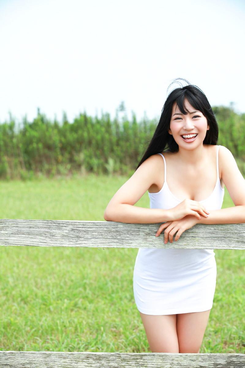 【増田有華エロ画像】視線と谷間がめちゃくちゃセクシーな元AKB48アイドル 32