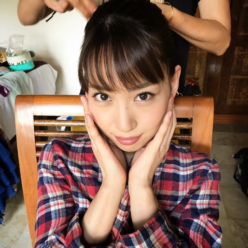 【増田有華エロ画像】視線と谷間がめちゃくちゃセクシーな元AKB48アイドル 37