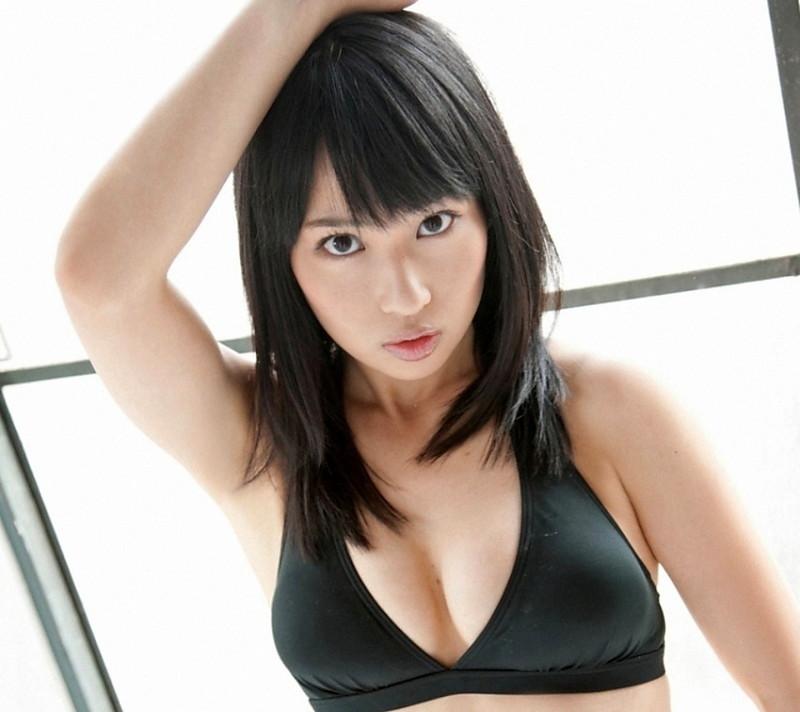【増田有華エロ画像】視線と谷間がめちゃくちゃセクシーな元AKB48アイドル 73