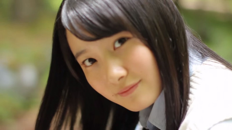 【森戸知沙希エロ画像】モー娘14期美少女アイドルのまだ幼さが残るグラビア写真