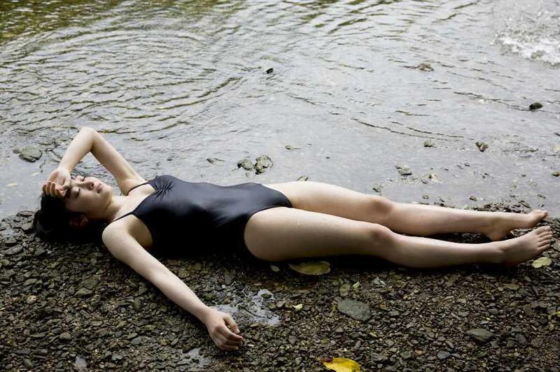 【森戸知沙希エロ画像】モー娘14期美少女アイドルのまだ幼さが残るグラビア写真 03