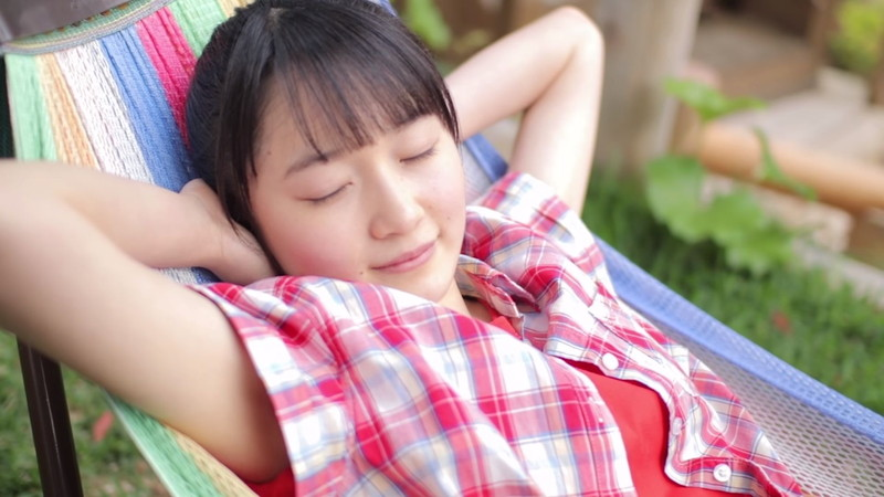 【森戸知沙希エロ画像】モー娘14期美少女アイドルのまだ幼さが残るグラビア写真 06