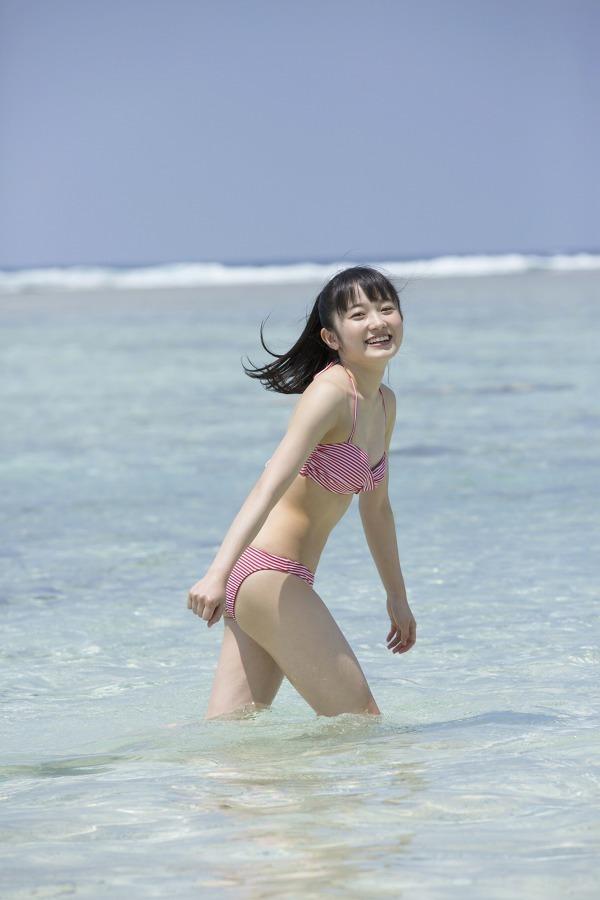 【森戸知沙希エロ画像】モー娘14期美少女アイドルのまだ幼さが残るグラビア写真 21