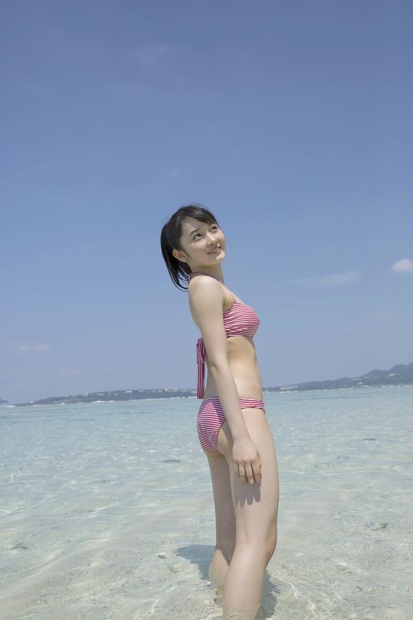【森戸知沙希エロ画像】モー娘14期美少女アイドルのまだ幼さが残るグラビア写真 23