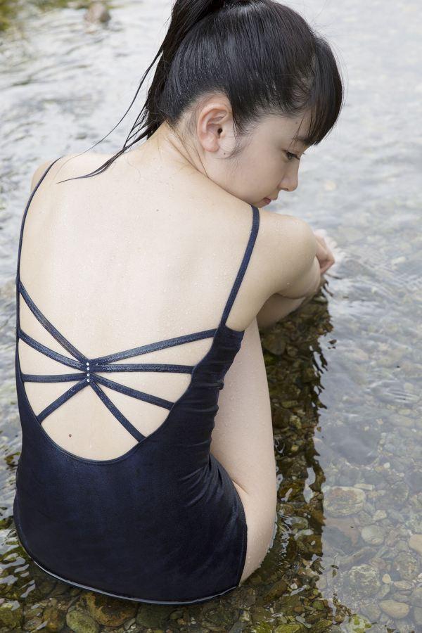 【森戸知沙希エロ画像】モー娘14期美少女アイドルのまだ幼さが残るグラビア写真 41