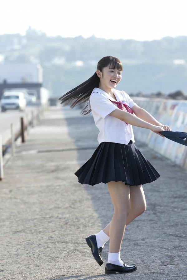 【森戸知沙希エロ画像】モー娘14期美少女アイドルのまだ幼さが残るグラビア写真 60