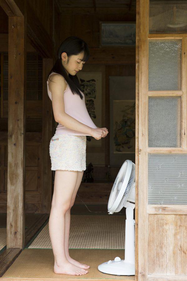 【森戸知沙希エロ画像】モー娘14期美少女アイドルのまだ幼さが残るグラビア写真 62