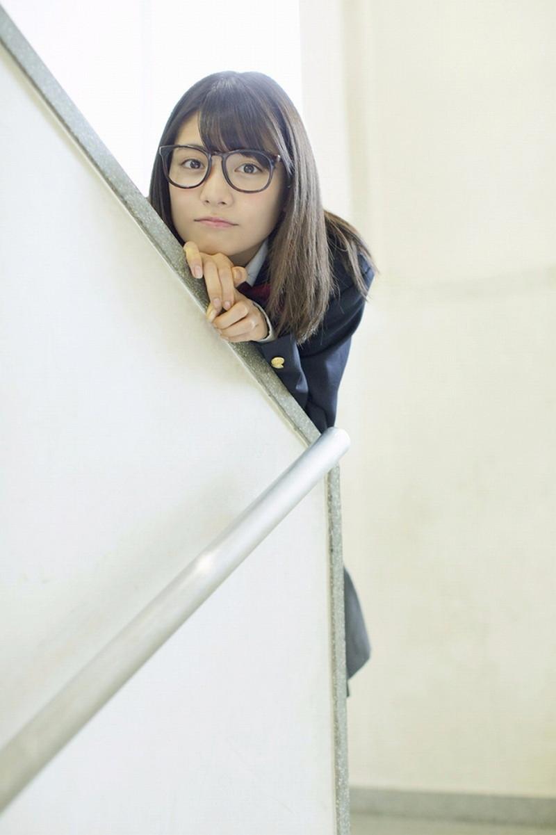 【松永有紗グラビア画像】地味なメガネをかけても美少女ってめっちゃ映えるなぁw 04