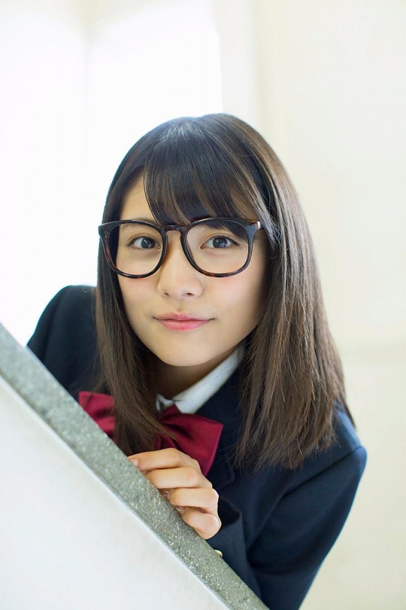 【松永有紗グラビア画像】地味なメガネをかけても美少女ってめっちゃ映えるなぁw 05