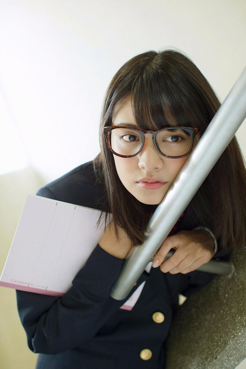 【松永有紗グラビア画像】地味なメガネをかけても美少女ってめっちゃ映えるなぁw 07