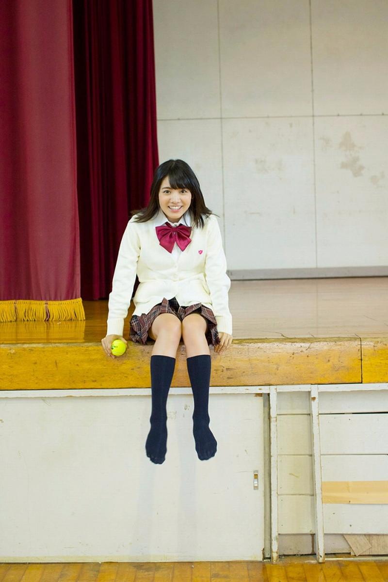 【松永有紗グラビア画像】地味なメガネをかけても美少女ってめっちゃ映えるなぁw 15