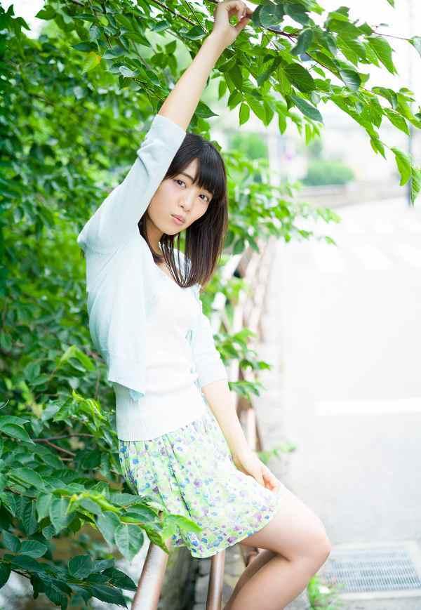 【松永有紗グラビア画像】地味なメガネをかけても美少女ってめっちゃ映えるなぁw 54