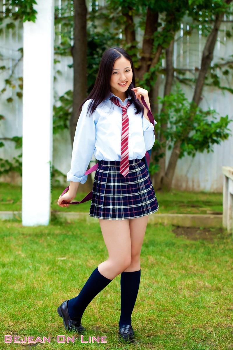 【宮沢静香グラビア画像】むっちりしたお尻から太ももへのラインがめちゃシコい! 34