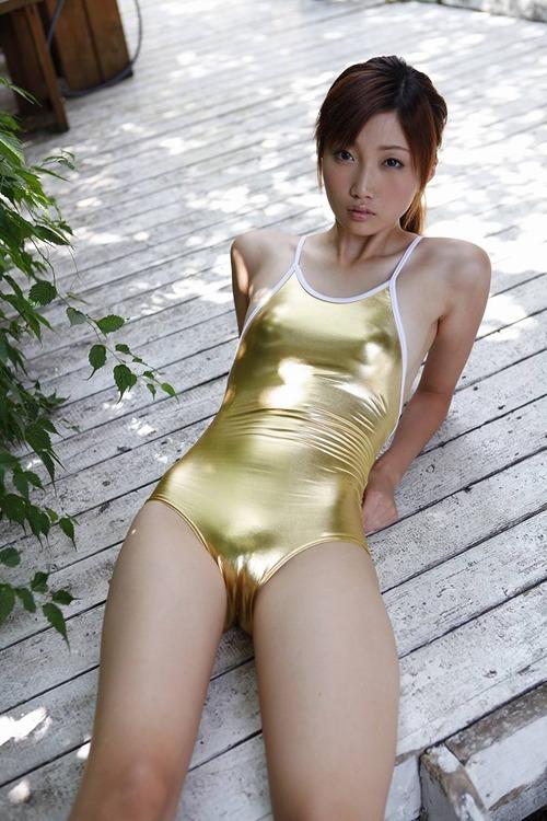 【三花愛良グラビア画像】プリっと大きなお尻がめちゃシコな高身長エロボディ 08