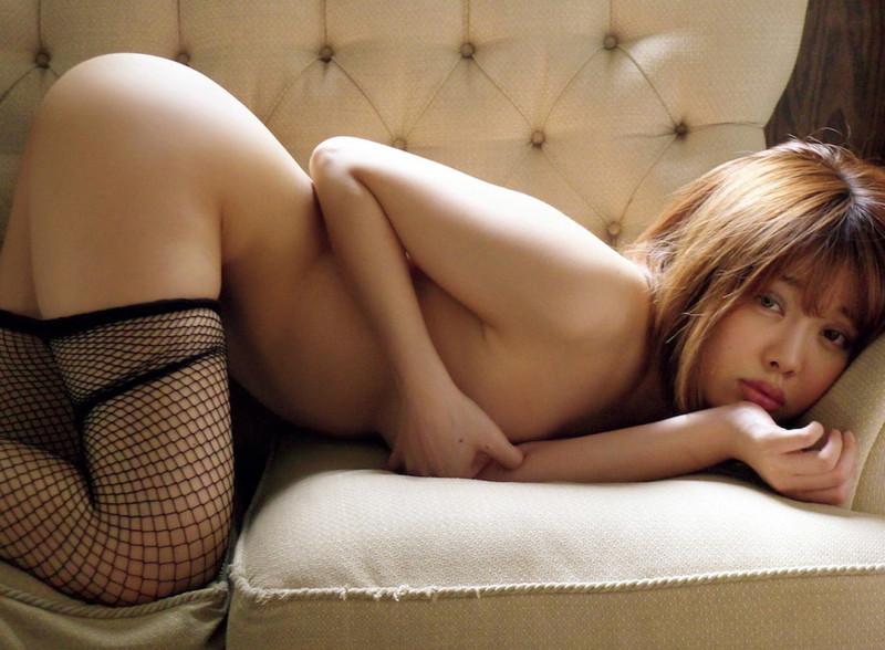 【萌木七海グラビア画像】憧れの芸能界に入ったらエロいグラビアを撮るハメに!?