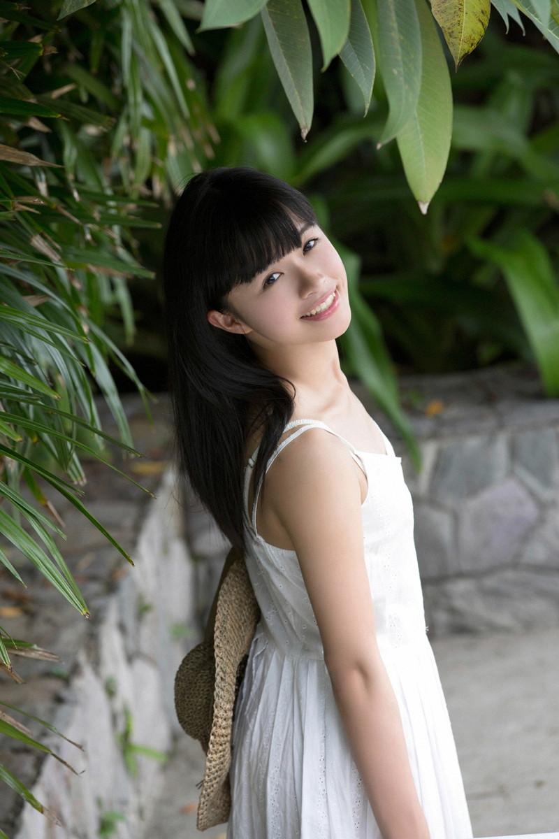 【百川晴香グラビア画像】Bカップ微乳の美少女グラドルが乳寄せすると意外と大きいw 33