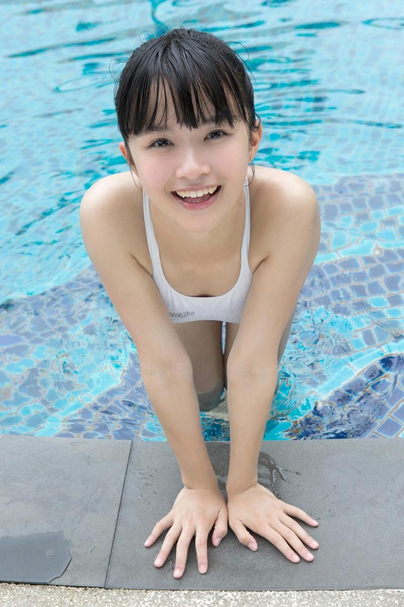 【百川晴香グラビア画像】Bカップ微乳の美少女グラドルが乳寄せすると意外と大きいw 37